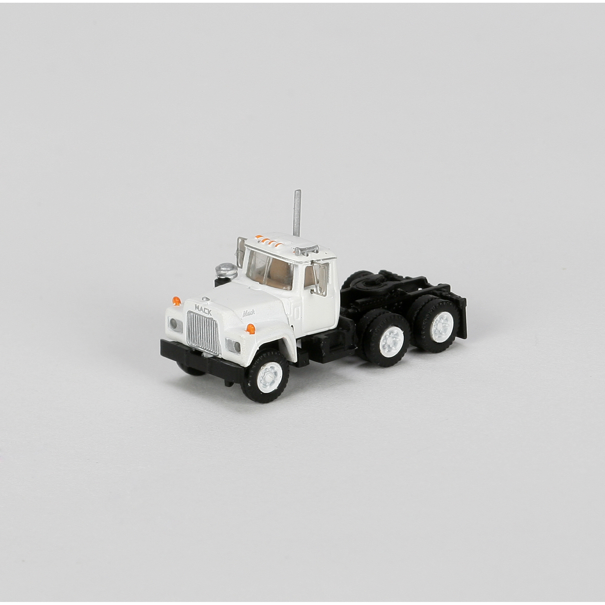 Athearn N Scale 3 Axle Tractor : N rtr mack r tractor w axle white ath athearn