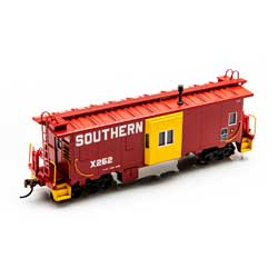 Roundhouse 90175 HO Bay Window Caboose Southern #X262